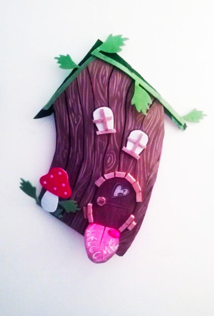 """Casetta realizzata a mano per la mostra """"La città degli illustratori"""" presso Il regno dei Bimbi - Bari e la libreria per ragazzi """"La librellula"""" - Gioia del colle"""